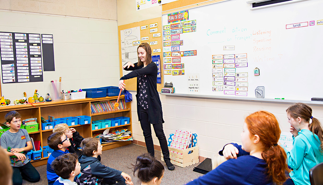 Goderich312-teacher-with-students